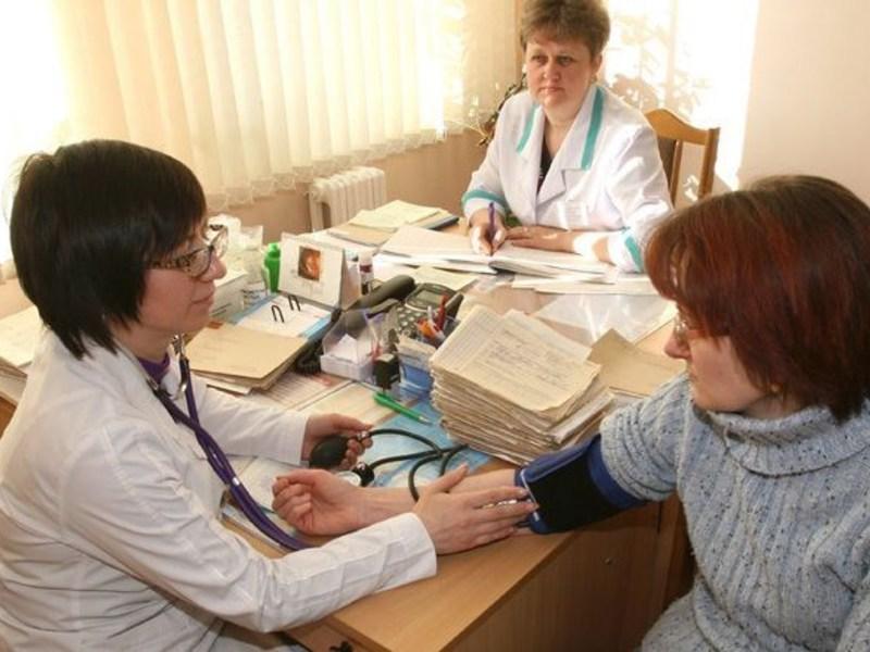 Лечение горла средством Граммидин с антисептиком