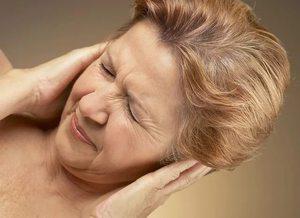 Как избавиться от закладывания в ушах