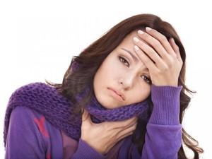 Чем нужно лечить горло беременной женщине