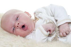 Как проявляется коклюш у ребенка