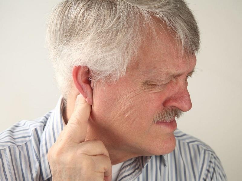 Описание симптомов околоушного воспаления лимфоузлов