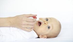 Нюансы эффективного лечения насморка у грудничка